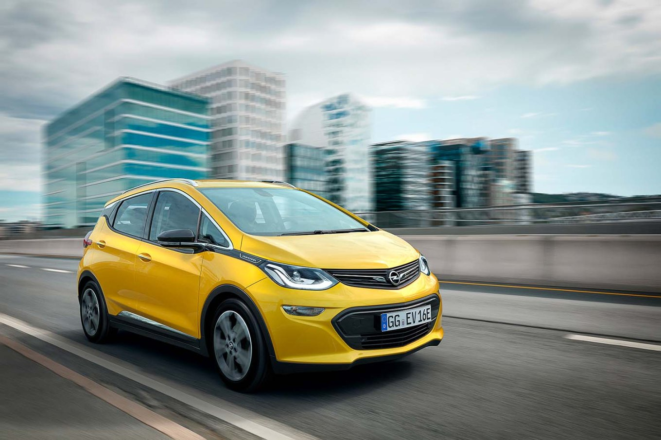 Opel Ampera-e: Fast charging for additional range