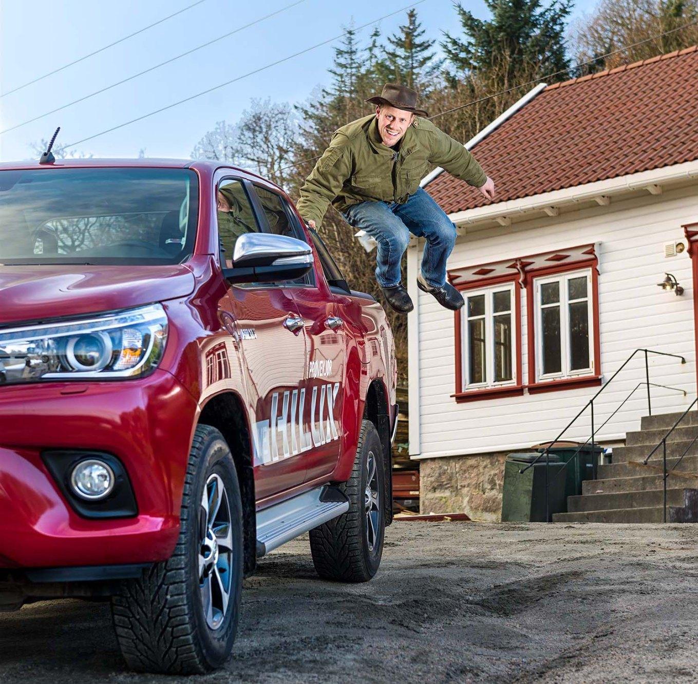 Toyota Hilux prøvekjørt av Farmen Oddvar Jenssen