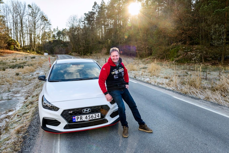 Bil& motor prøvekjører Hyundai i30N sammen med rallyfører Svein Frustøl